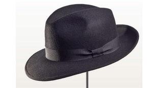 Sombrero Fedora, aúna carácter práctico y toque elegante.
