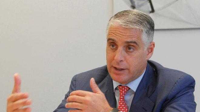 Banco Santander retrocede con el fichaje de Andrea Orcel como consejero delegado