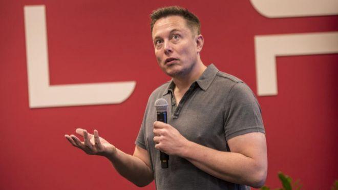 Tesla elimina 3.000 empleos y Elon Musk vislumbra un camino
