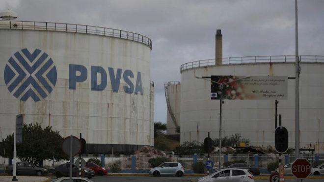 Trump congela pagos a la petrolera de Maduro en EEUU