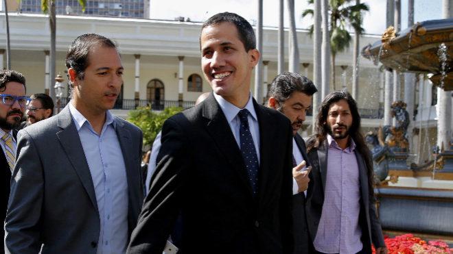 Fiscal general de Venezuela solicita impedimento de salida para Juan Guaidó