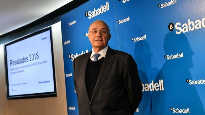 Josep Oliu, presidente de Banco Sabadell, hoy, en la presentación de...