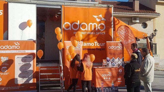 Vehículo promocional de Adamo en la provincia de Toledo.