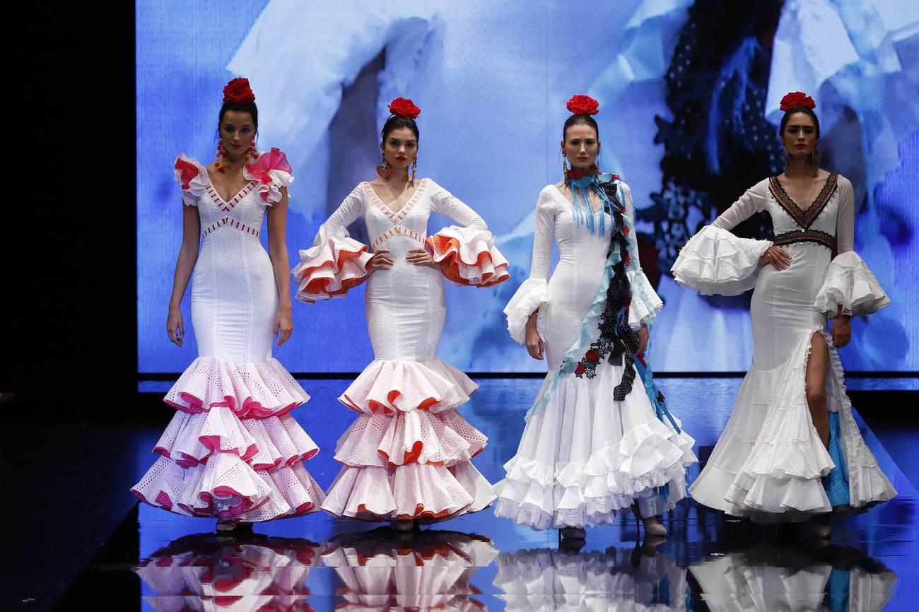 La diseñadora sevillana Aurora Gaviño ha vestido a una larga lista...