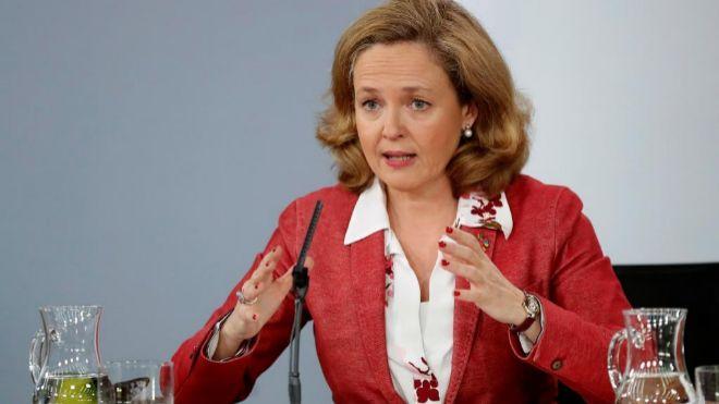 La ministra de Economía y Empresa, Nadia Calviño, durante la rueda...