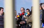 El presidente de la Generalitat, Quim Torra (c), hace declaraciones a...
