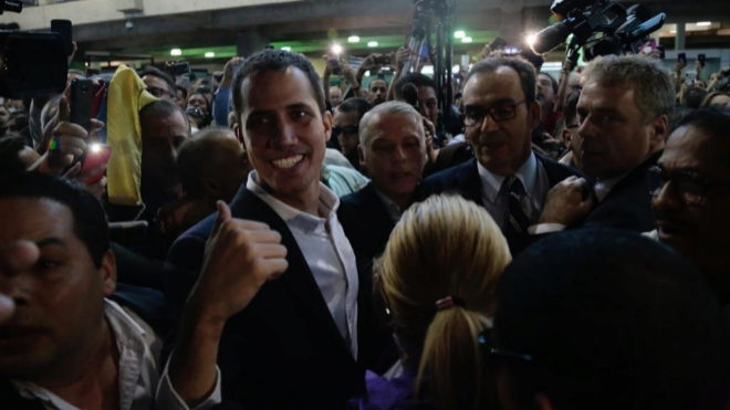 Guaidó confirma reunión con empleados públicos