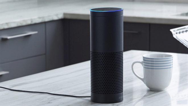 ¿Puede mi jefe utilizar Alexa para espiarme en el trabajo?