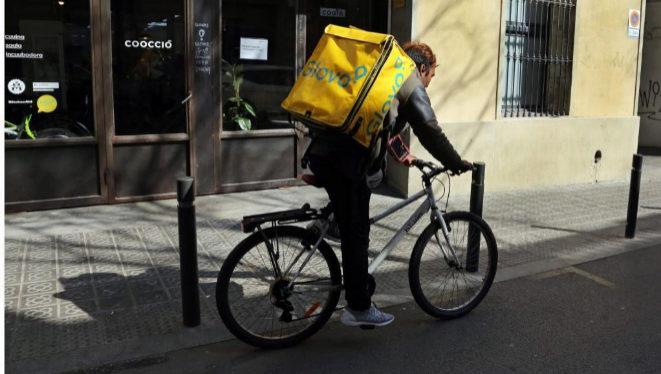Al final, los 'riders' de Deliveroo o Glovo son autónomos... ¿o no?