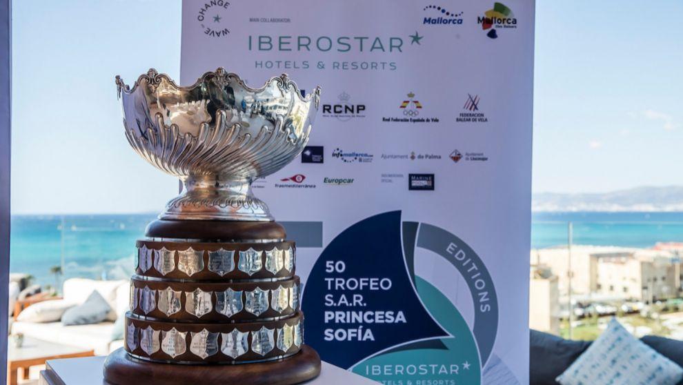 El trofeo Princesa Sofía, con los nombres de los ganadores de las 50...