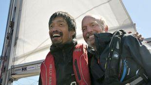 Mitsuhiro Iwamoto, junto a su navegante Doug Smith, a si llegada a...