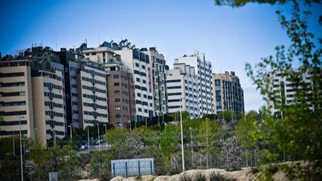3b60e5654 El precio de la vivienda de segunda mano cae un 0,5% mensual en ...