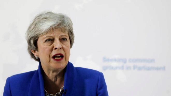 May quiere un referéndum para aprobar el acuerdo de Brexit