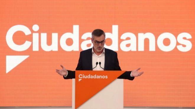 El secretario general de Ciudadanos, José Manuel Villegas, durante la rueda de prensa posterior a la reunión del Comité Ejecutivo de la formación naranja celebrada este lunes en la sede de la calle Alcalá, en Madrid.