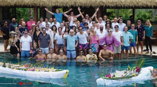 La reunión, convocada por Branson, permitió que 50 emprendedores de...