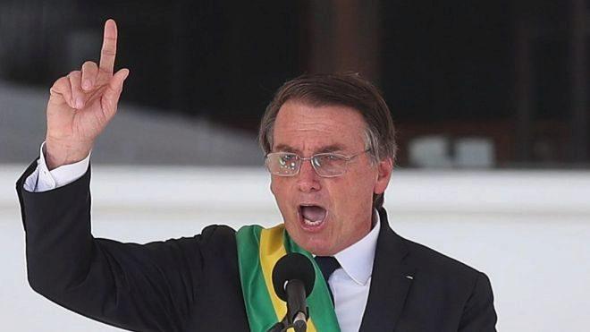 Brasil: Bolsonaro destituiría al jefe del Banco de fomento