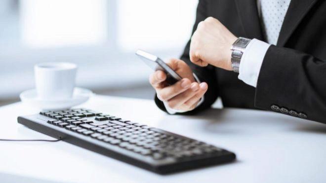 El trabajador puede negociar bilateralmente con la empresa la jornada...