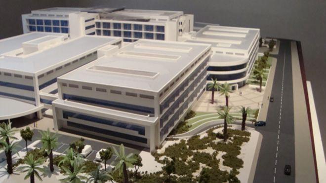 Maqueta del Hospital de Antofagasta, una de las concesiones incluidas...