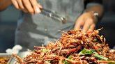 En torno a 2.000 millones de personas comen de forma regular insectos...