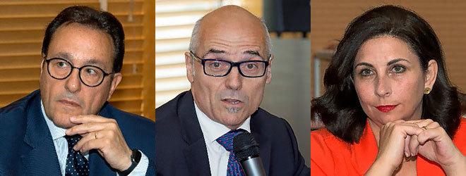 De izquierda a derecha: Ramon Adell, catedrático de Economía de la Empresa de la Universitat de Barcelona; José García Montalvo, profesor de Economía de la Universitat Pompeu Fabra de Barcelona y Astrid Barrio, profesora de Ciencia Política de la Universitat de València.