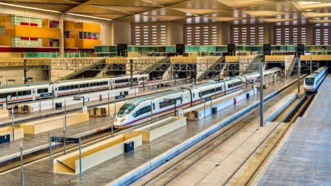 Renfe cancela 320 trenes este lunes por la huelga convocada por CCOO