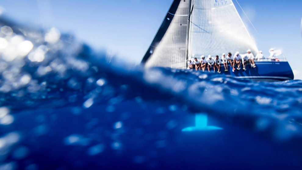 Un barco Swan,navegando en aguas de Palma durante la última edición...