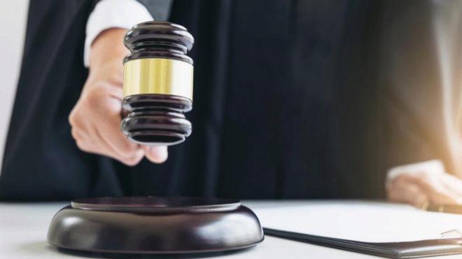 Multa de 500 euros a un juez por gritar a un coronel y a un capitán