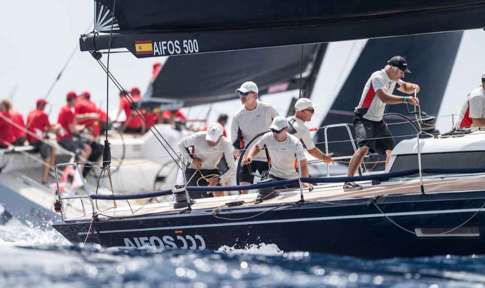 El Rey Felipe, en la regata de este jueves de la Copa del Rey Mapfre,...