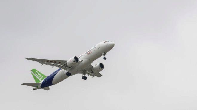 Con el C919, Comac quiere plantar cara a Airbus y Boeing.