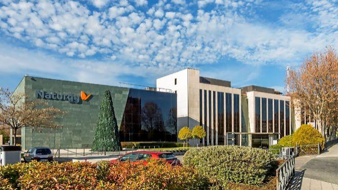 Las empresas hacen caja con la venta de sus sedes en España