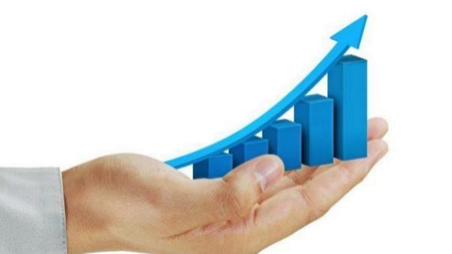 La economía creció un 2,4% en 2018, dos décimas menos, tras una revisión...