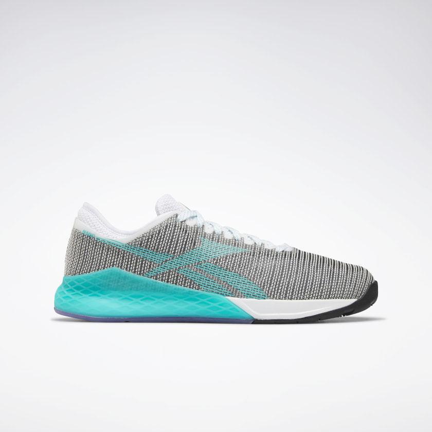 Las zapatillas basadas en los cuerpos de malla, como las Reebok Nano...