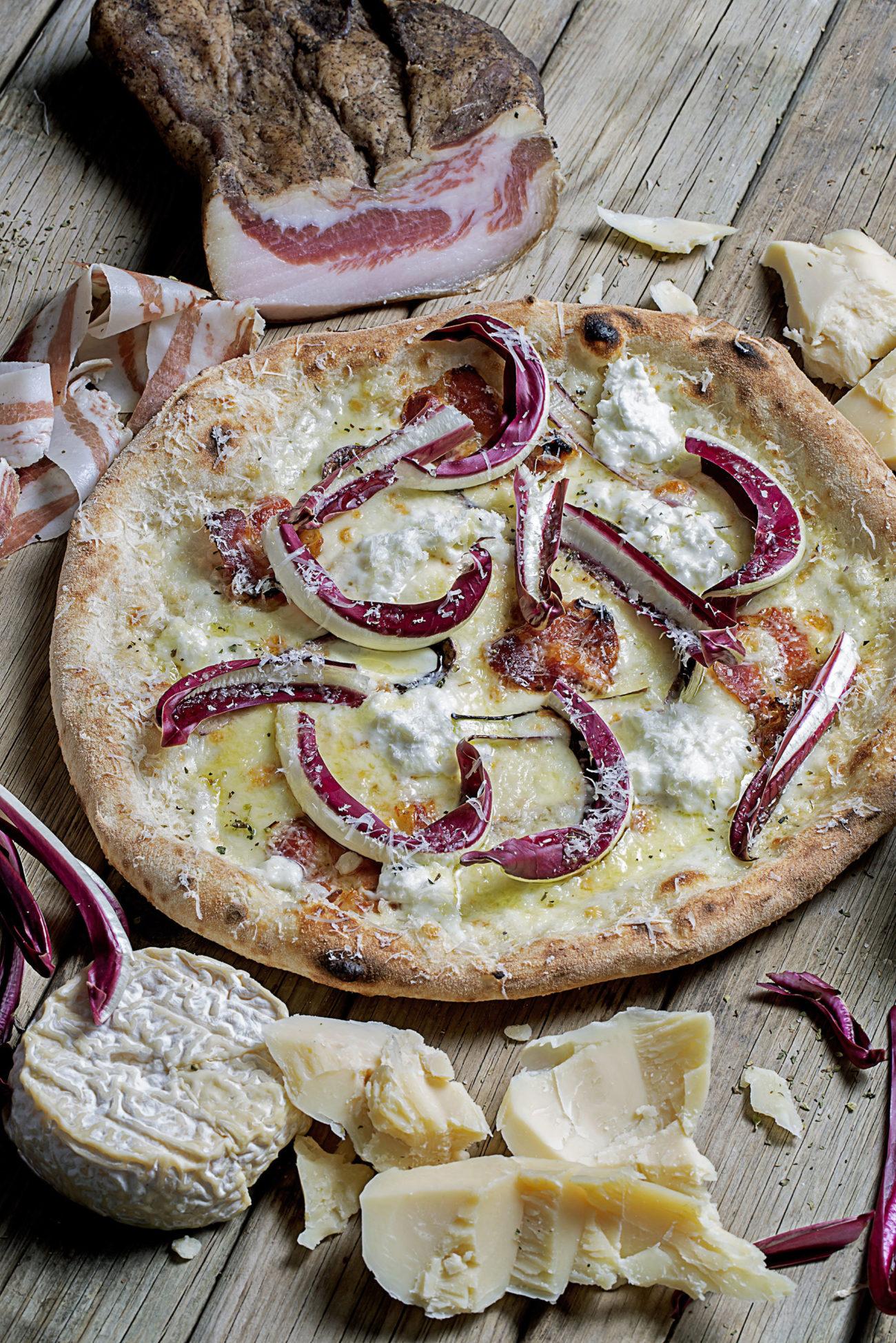 Ingredientes 200 g de masa de pizza 20 g de ricotta...