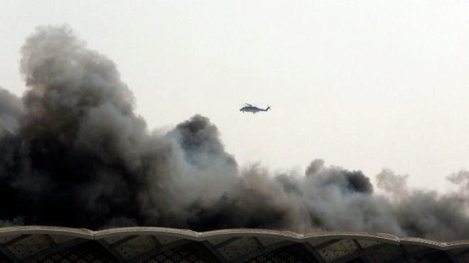 El petrolero iraní atacado esta madrugada sale del Mar Rojo