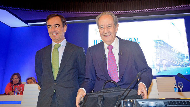 Juan Villar Mir de Fuentes junto a su padre, Juan Miguel Villar Mir.