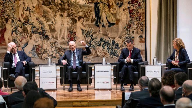 José Manuel Campa, presidente de la EBA; Andrea Enria, presidente del...