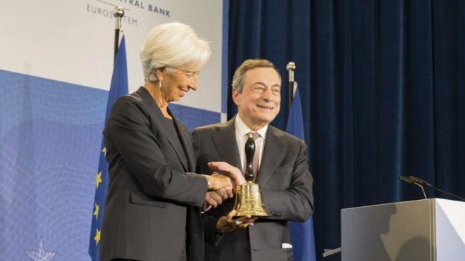 Draghi y Lagarde unen sus voces para pedir apoyo fiscal a la eurozona