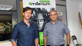 A la izquierda, Miguel Páez, presidente de Tropical Millenium...