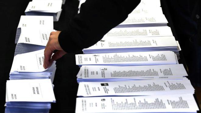 Resultados por Comunidades: El PSOE pierde Cantabria y Castilla y León, y Vox gana Murcia