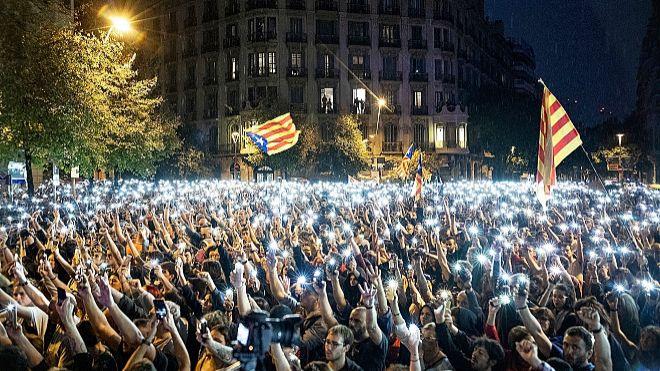 Las redes sociales han cambiado la forma de protestar; ofrecen...