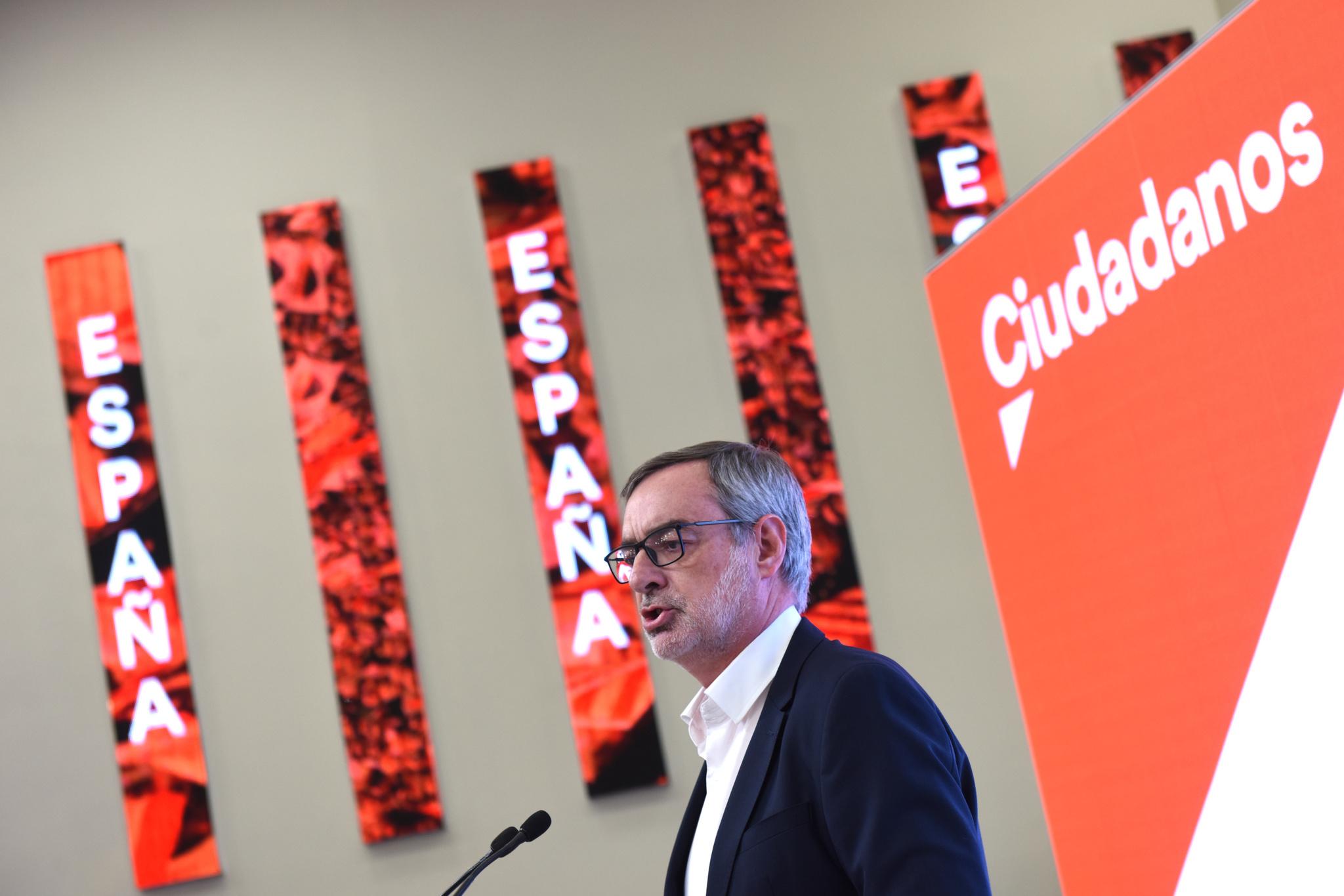 El secretario general de Cidadanos, José Manuel Villegas, en a la sede de Ciudadanos durante la noche electoral del 10N en Madrid (España), donde el partido sigue los resultados del escrutinio.