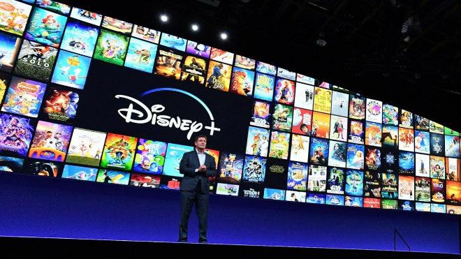 El primer ejecutivo de Disney, Kevin Mayer, durante la presentación...