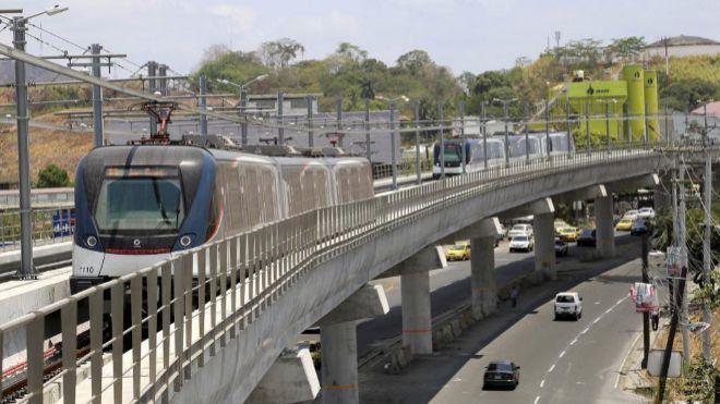 Tren de Alstom en el Metro de Panamá.