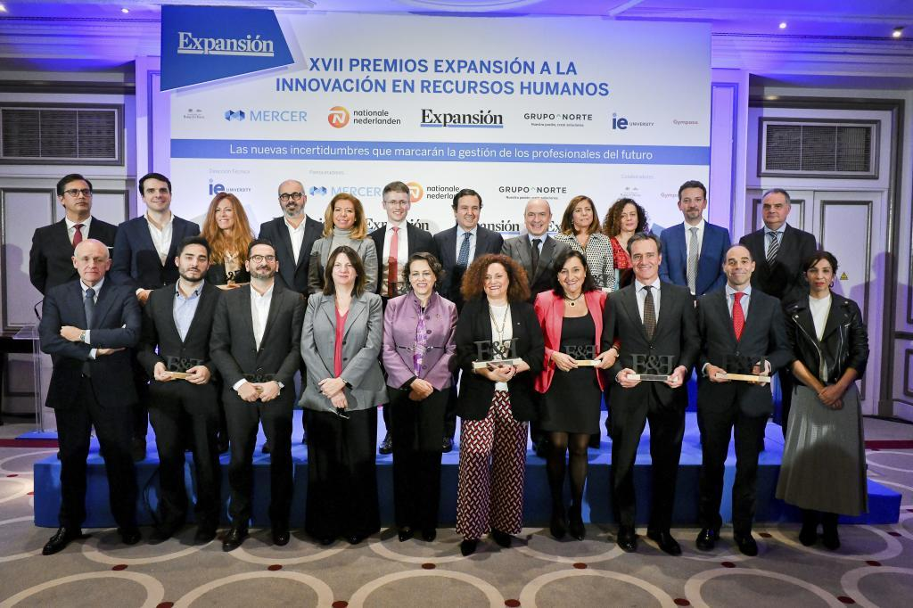 Abajo, de izquierda a derecha: Jesús Zaballa, director general de...