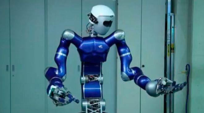 <HIT>Robot Justin</HIT>.