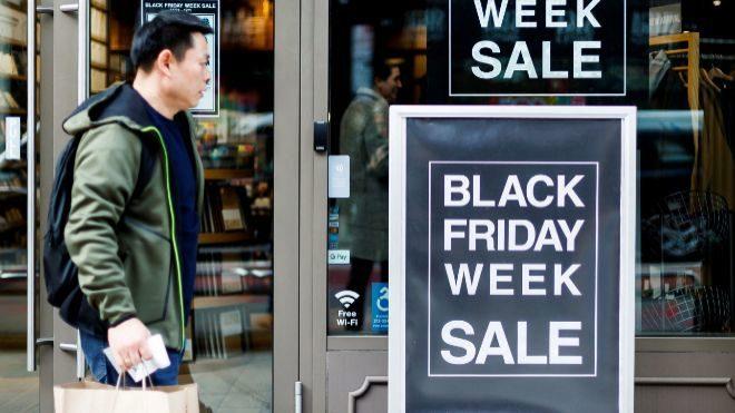 Los estadounidenses gastaron 7.400 millones dólares en compras 'online' en el Black Friday