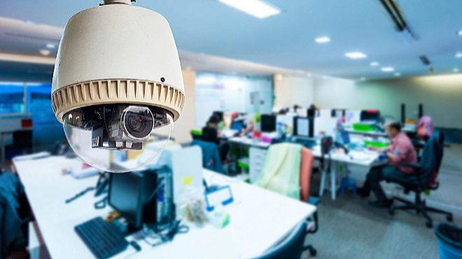 Es legal instalar cámaras falsas disuasorias en el trabajo