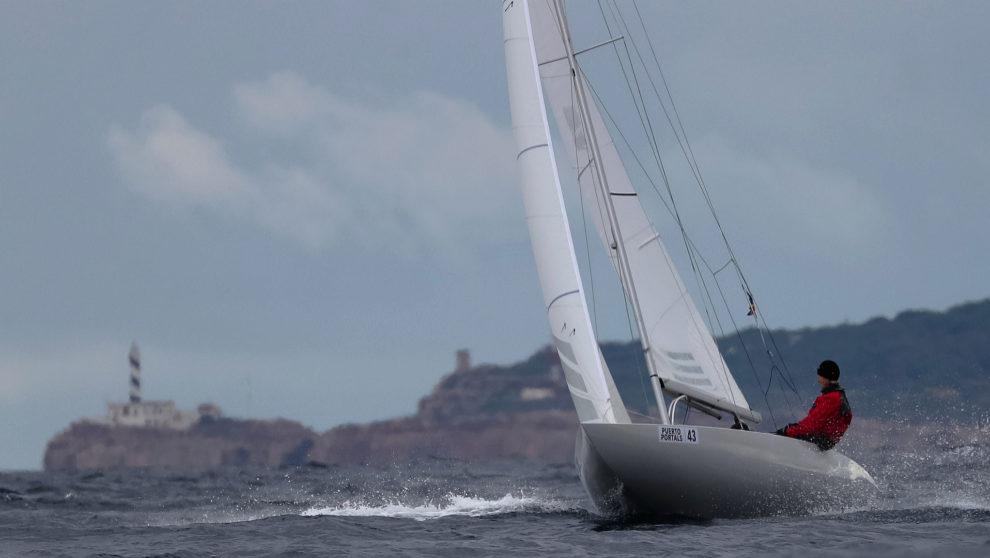 Un dragón, durante el Dragon Grand Prix Spain, en Puerto Portals.  ...