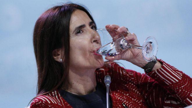 GRAF8863. MADRID, 14/12/2019.- La ministra de Medio Ambiente de Chile y presidenta de la <HIT>COP25</HIT>, Carolina Schmidt , en el plenario en el que se celebra la ceremonia de clausura de la Cumbre del Clima, este sábado en Madrid. EFE/JAVIER LIZÓN