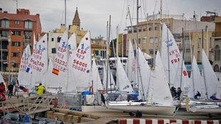 La flota participante en la 44ª Christmas Race, en el CNCB/VP. |...